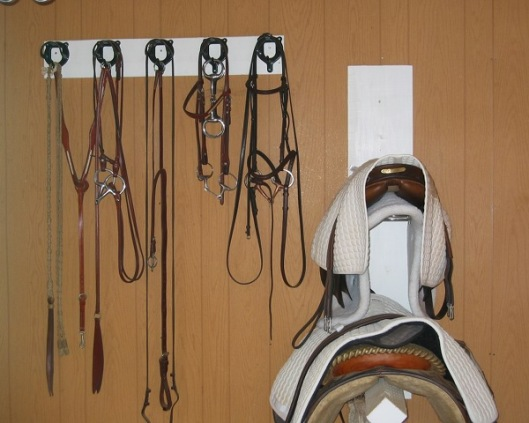 Horsekeepers and their stuff